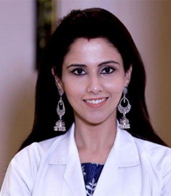 Dr Komal Nebhnani